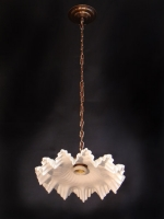 One-lamp light with white curly opal glass