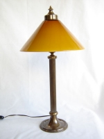 Table light with bronze base and VIANNE opal glass