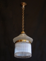 One-lamp ceiling light with small crystals